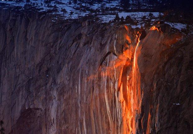 Огненный водопад «Лошадиный хвост»