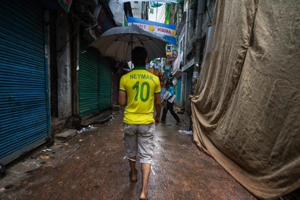 Болельщик сборной Бразилиив футболке Неймара