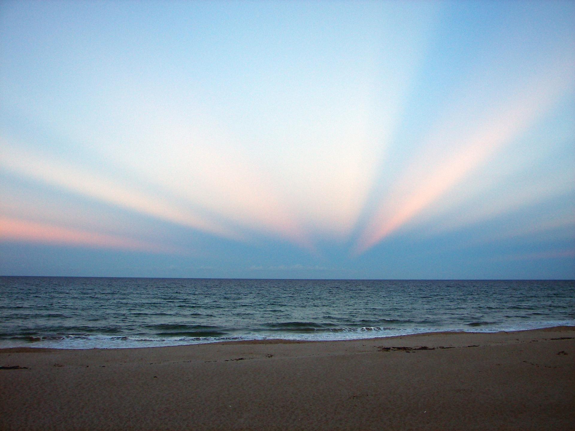 Противосумеречные лучи над Флоридой