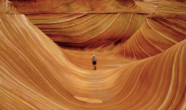 Скалистое образование Волна в Аризоне