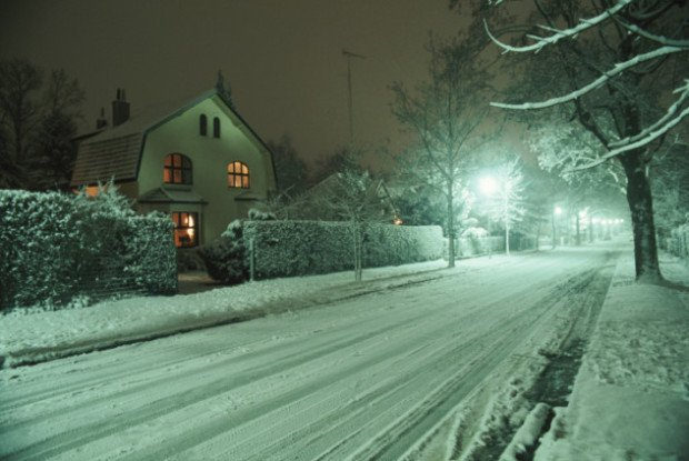 Заснеженная улица