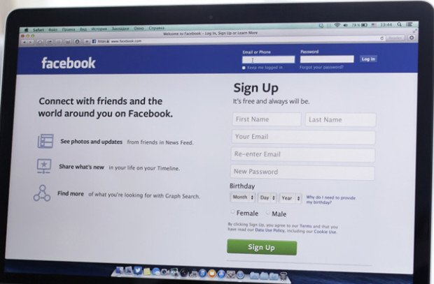 Главная страница Facebook, открытая в браузере