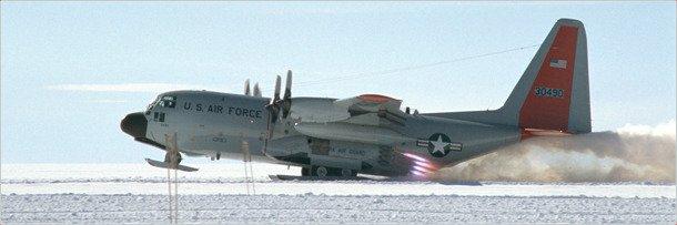 Самолёт LС-130 в Антарктиде