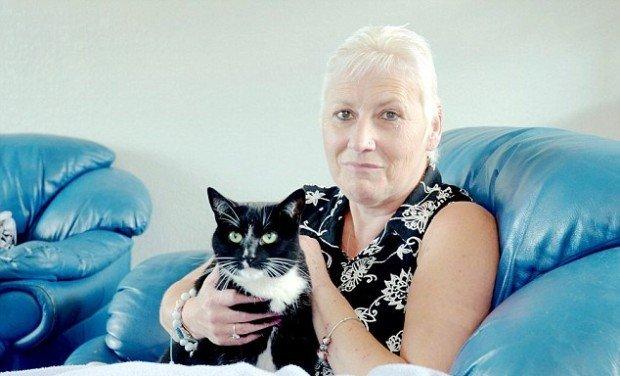 Сьюзан Марш-Армстронг и её кошка Чарли