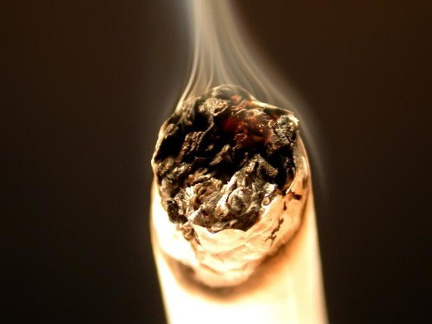 Горящая сигарета
