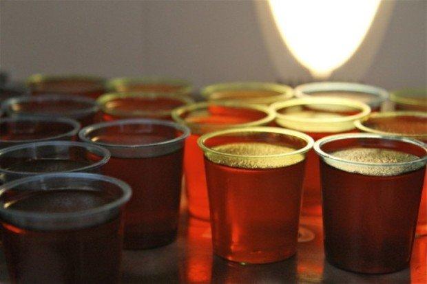 Стаканы с выпивкой