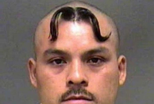 Усы на голове