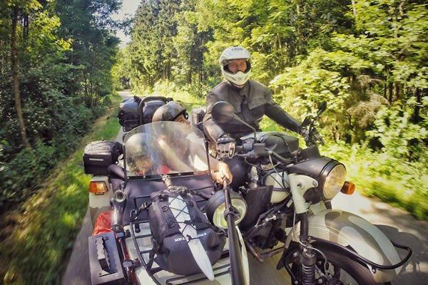 Всей семьей на мотоцикле