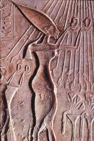 Фараон Аменхотеп IV (позднее Эхнатон)