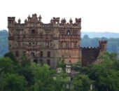 7 потрясающих заброшенных замков, куда мы мечтаем попасть