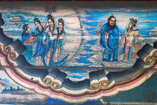 Император Сюань-цзун содержал гарем, количество женщин в котором приравнивалось к населению небольшого города