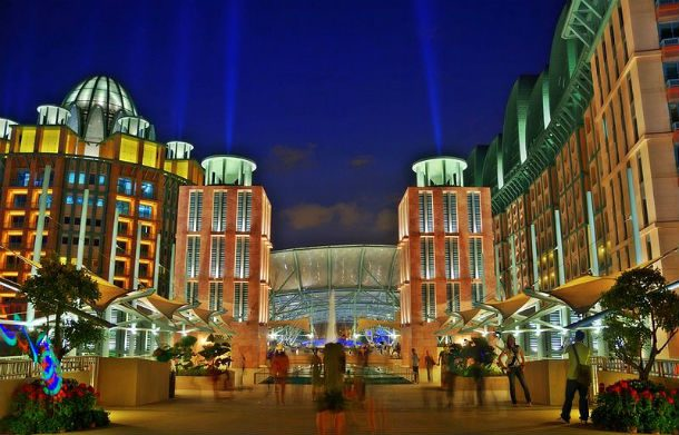 Resorts World Sentosa — Сингапур, Таиланд