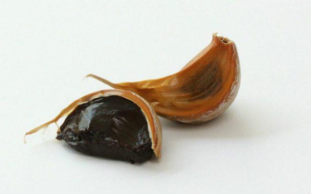 Чёрный чеснок