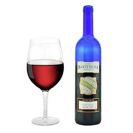 Огромный винный бокал, в который можно вылить всю бутылку