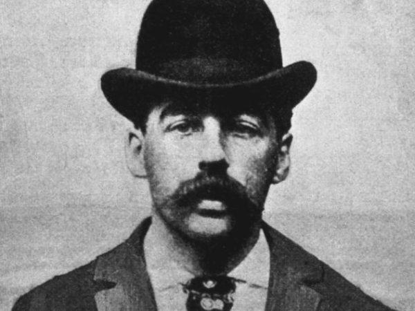 Холмс в зале суда