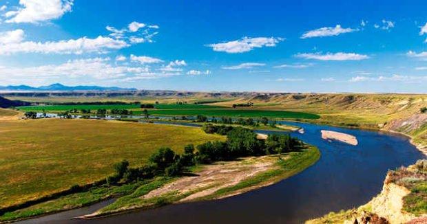 Вид на реку Миссури, США