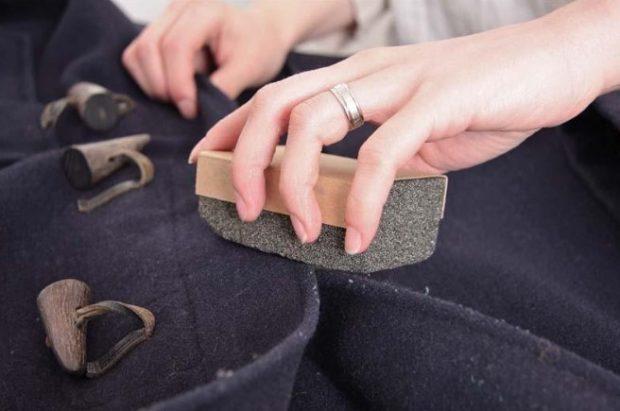 Лайфхак: чистка одежды пемзой