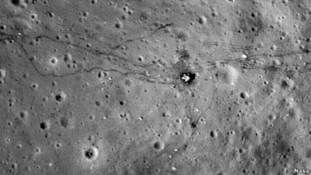 Следы транспортных средств на Луне
