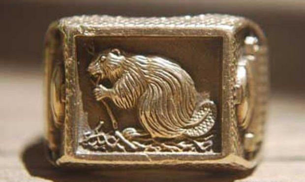 Кольцо с изображением бобра