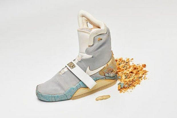Легендарный кроссовок из «Назад в будущее» потрепала жизнь