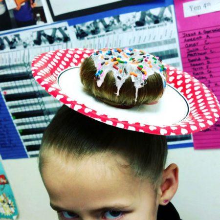 Причёска девочки в виде пончика