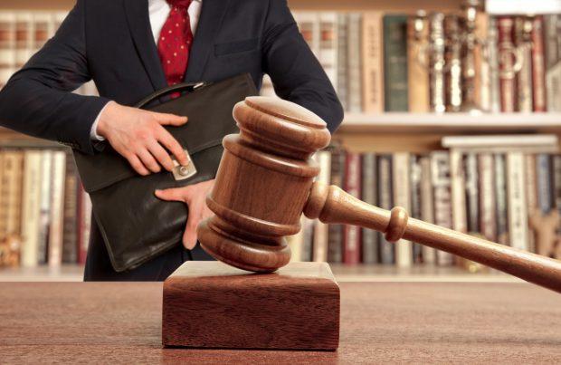 Профессия юриста также является одной из самых высокооплачиваемых
