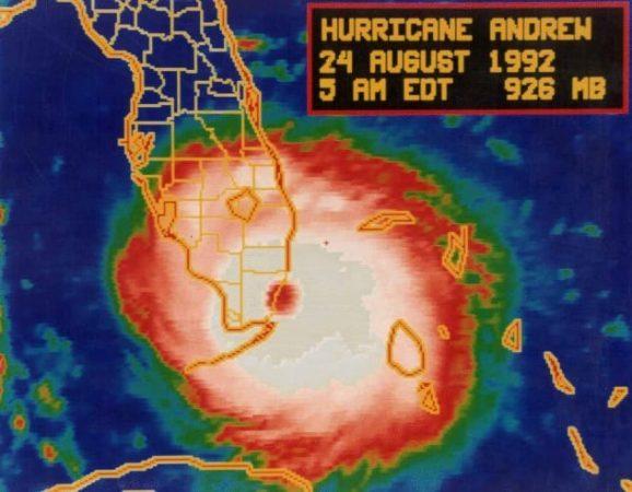 Снимок урагана Эндрю