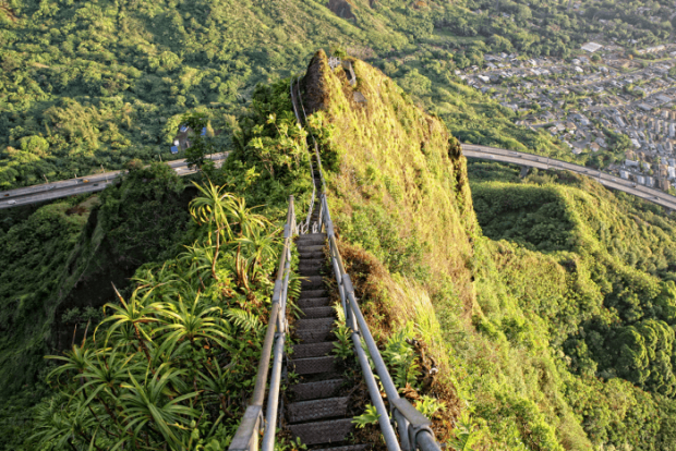 Лестница «Хайку» (Гавайи)