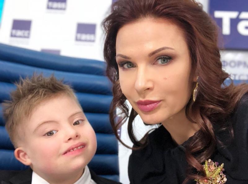 Эвелина Блёданс и Семён