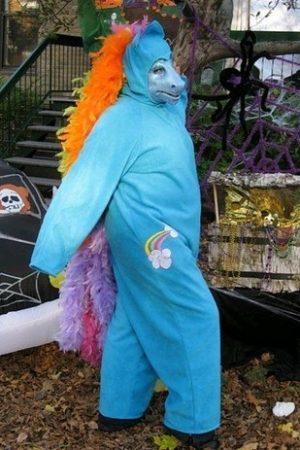 Нелепый костюм для Хэллоуина