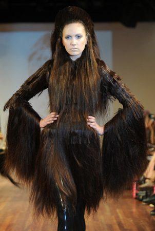 Платье из волос