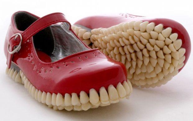 Босоножки из зубов