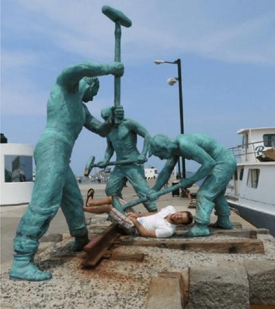 Жестокий памятник