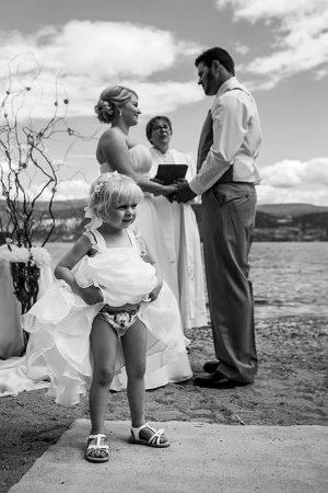 Скучающая подружка невесты