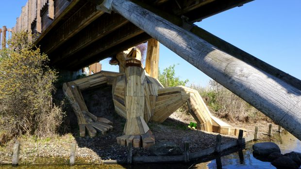 оскар под мостом