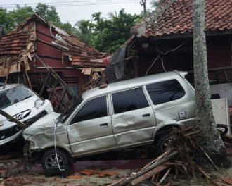 Цунами в Индонезии — природные катастрофы 2018, подборка фото.