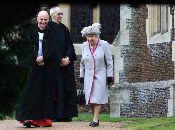 королева елизавета на рождественской службе