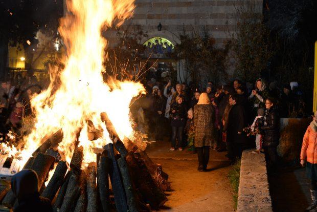 Рождественский костер в Черногории
