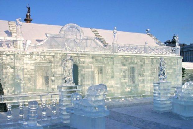Ледяной дворец в Санкт-Петербурге
