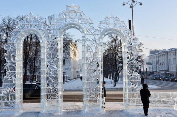 Ворота изо льда в Екатеринбурге