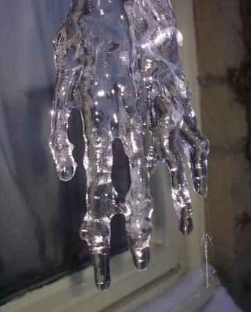 Рука ледяного монстра