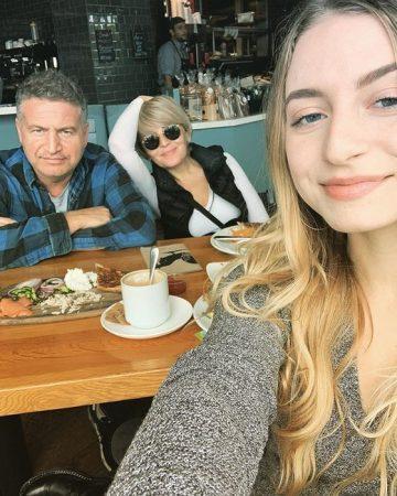 Леонид Агутин и Анжелика Варум и их дочь