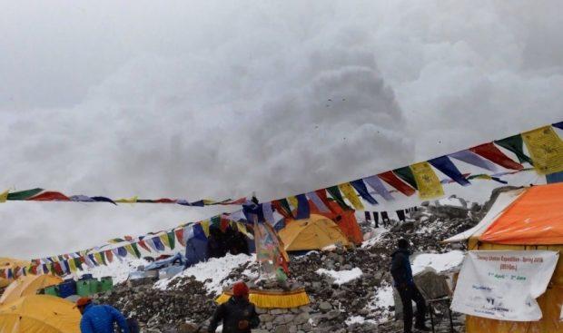 Лавина в Непале