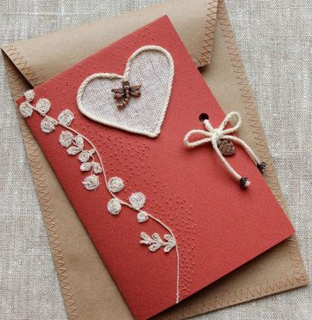 Красная открытка