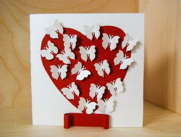 Бабочки на сердечке