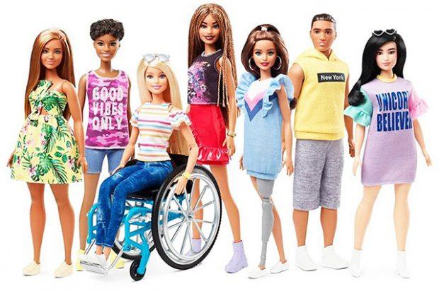 Барби с протезом и на коляске