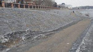 В городах Кузбасса выпал черный снег