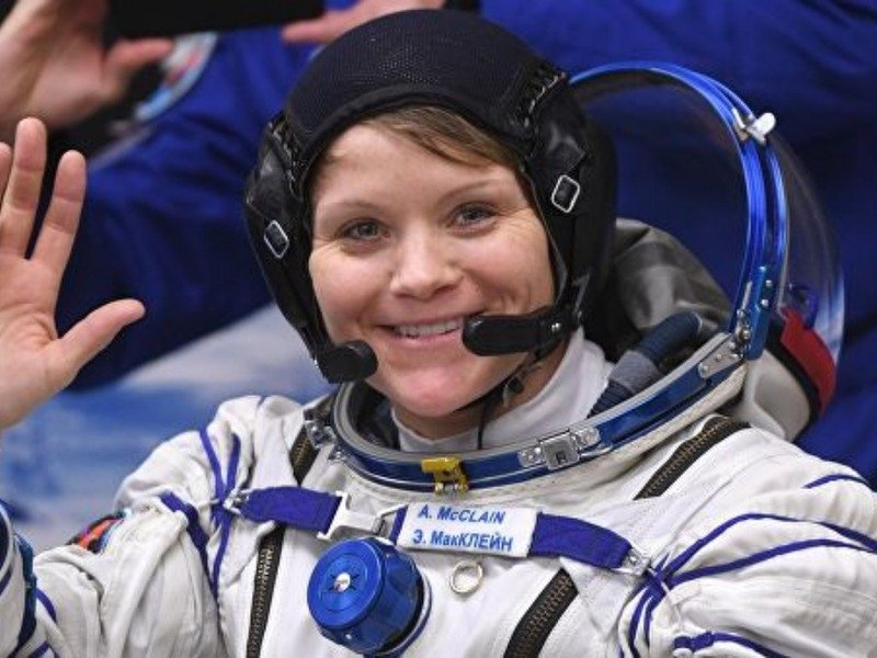 космонавт женщина