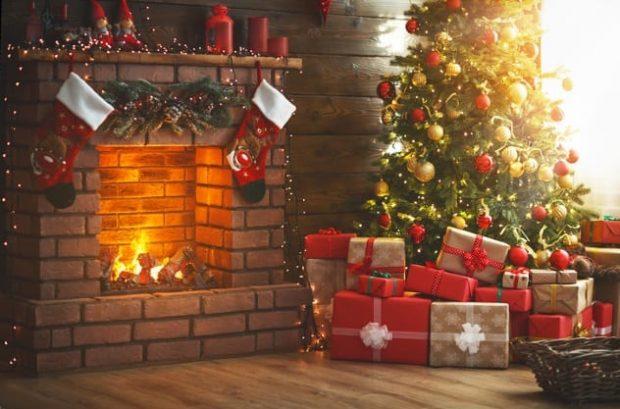 Рождественская ёлка с подарками