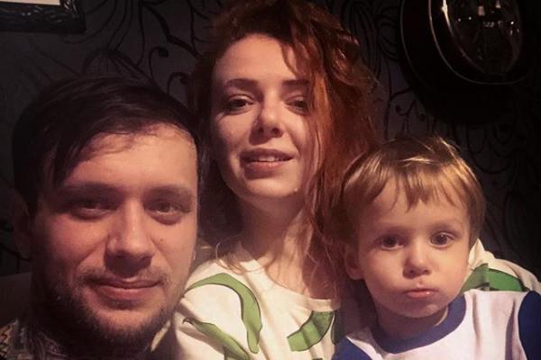 Огурцова с семьёй